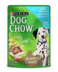 Dog chow pouch Trozos jugosos de pollo para cachorros.